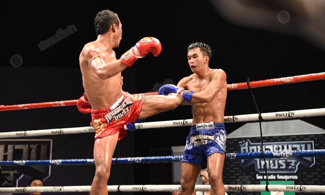 ศึกมวยไทยรัฐยอดมงคลแซงคว้าชัยเลือดสาด