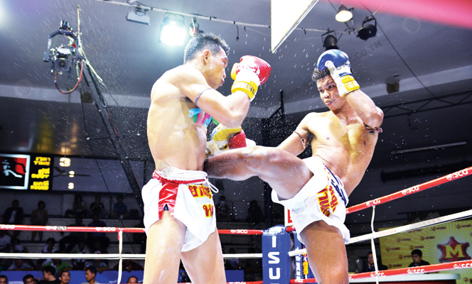 ศึกจ้าวมวยไทยเด่นพนมสุดแกร่งคว้าแชมป์154ป.