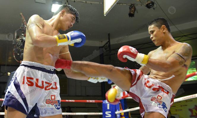ศึกจ้าวมวยไทยดวงสมพงษ์ได้เก๋าชนะแต้มขาด