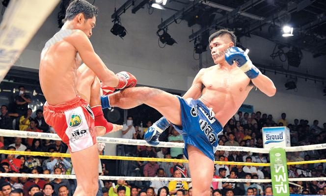 ศึกมวยไทย7สีแรมโบ้เดินบดดับสิทธิศักดิ์ขาดซิวแชมป์135ปอนด์