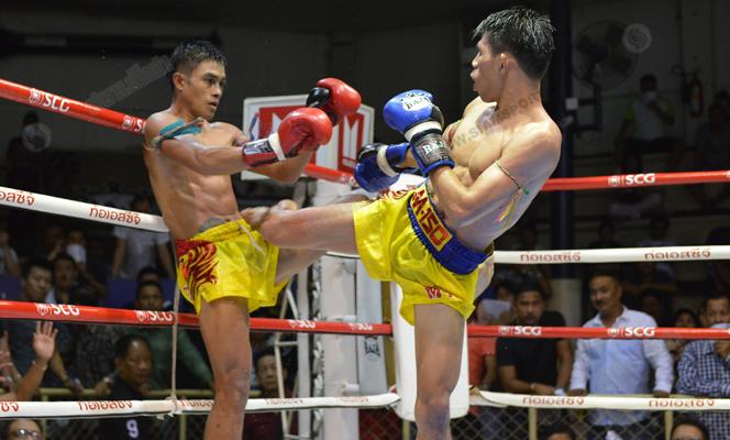 ศึกจ้าวมวยไทยเพชรบุญส่งเชือดประกายเพชร