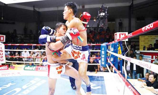 ศึกจ้าวมวยไทยจักรณรงค์เล็กผงาดแชมป์รุ่น140ป